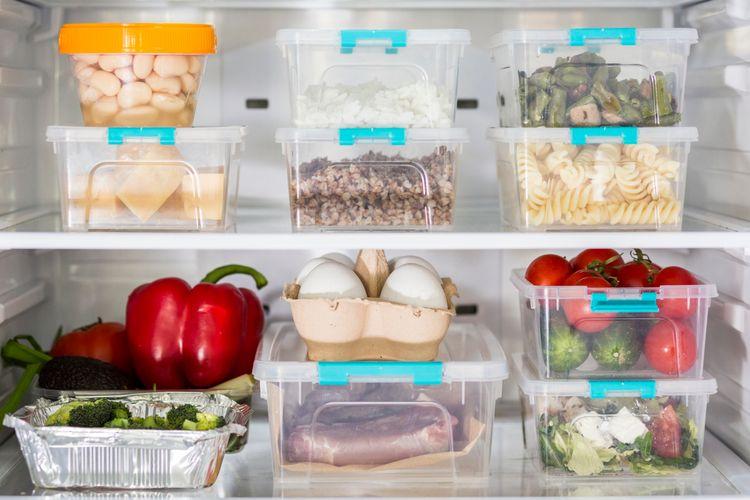 Ilustrasi wadah plastik, wadah makanan plastik.