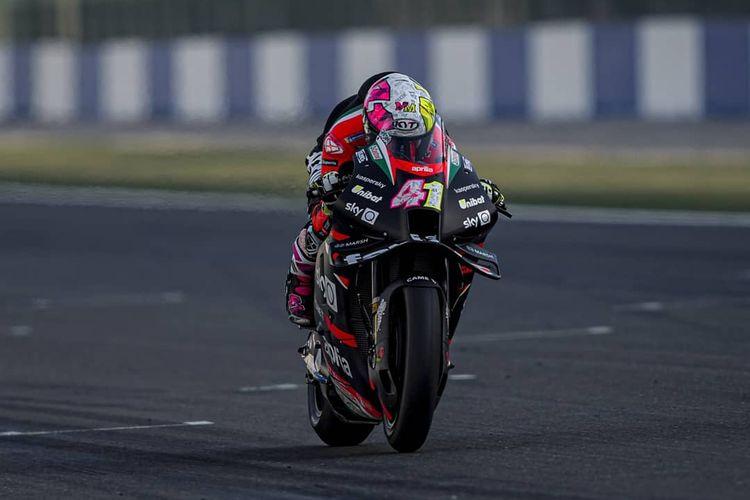 Aleix Espargaro saat sesi tes Qatar pada MotoGP 2021