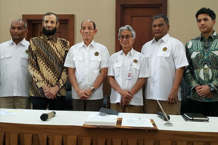 Kementerian Energi dan Sumber Daya Mineral (ESDM) bersama Kufpec Indonesia (Anambas) B.V. resmi menandatangi kerja sama Kontrak Bagi Hasil Gross Split untuk Wilayah Kerja (WK) Anambas di Ruang Damar, Gedung Kementerian ESDM, Jakarta, Senin (10/6/2019).