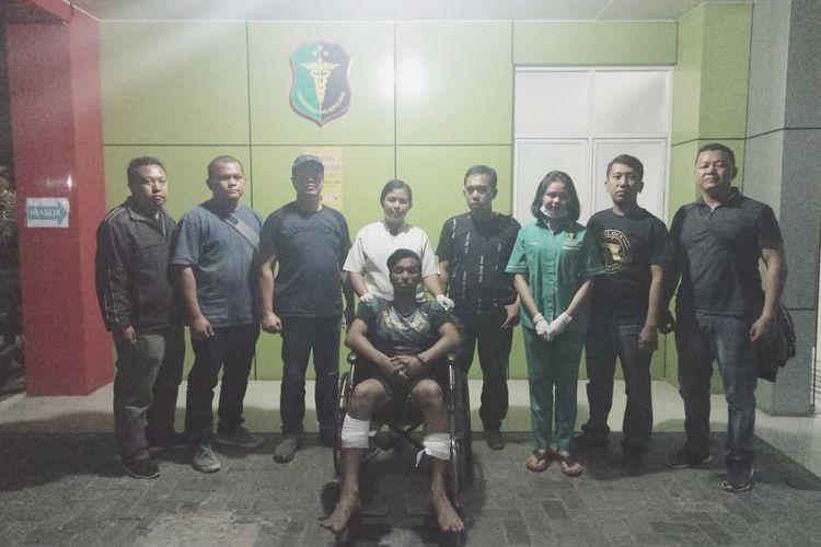 Polisi menembak kedua kaki APU alias Nanda Black (25), begal yang 21 kali beraksi di Sumatera Utara.