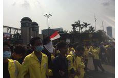 Demo di Depan DPR, Kubu Mahasiswa yang Pro dan Kontra RUU Saling Sindir