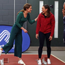Tampil Sporty, Kate Middleton Pakai Sweater Mango dan Kulot Zara