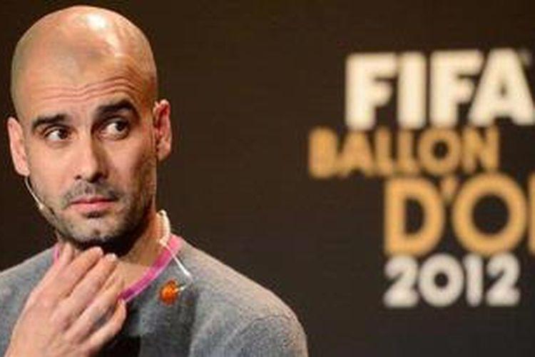 Nomine Pelatih Terbaik Dunia 2012, mantan Pelatih Barcelona, Pep Guardiola, hadir dalam konferensi pers jelang seremoni FIFA Ballon dOr Gala di Kongresshaus, Zurich, Swiss, Senin (7/1/2013). Pemenang penghargaan itu adalah Vicente del Bosque.