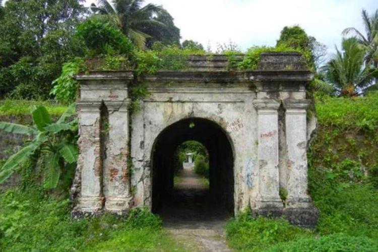 Bentang Nassau, Banda Neira, Kabupaten Maluku Tengah