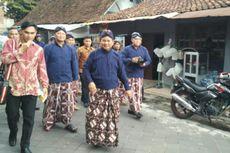 Kenakan Baju Jawa Peranakan, Prabowo Ziarah ke Makam Raja Mataram di Jogja