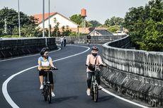 CFD Kembali Dibuka, Ribuan Pesepeda Gowes di Jalan Layang Antasari
