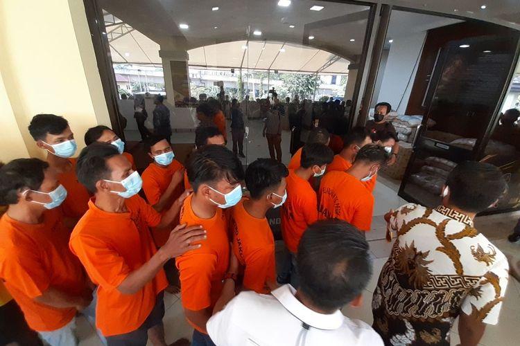 Tersangka kasus pungutan liar di sekitaran Jakarta Utara, Jumat (11/6/2021)