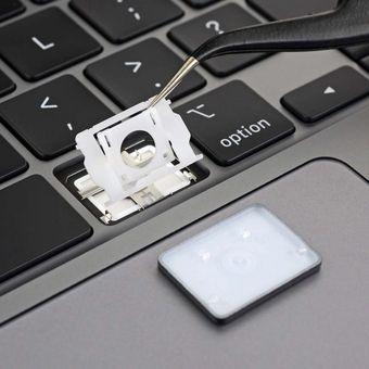 Keyboard MacBook Pro 16 inci (2019) yang menggunakan switch tipe scissor, seperti ditemukan oleh situs iFixit.
