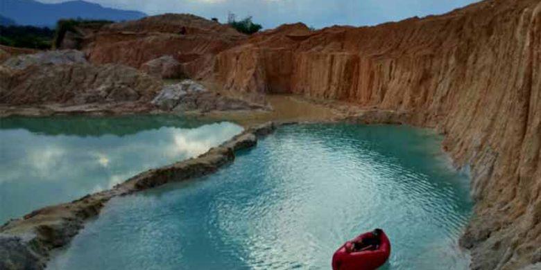 Danau Tambang Batu Padas