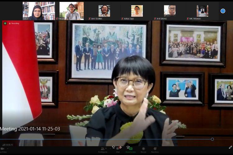 Menteri Luar Negeri RI Retno Marsudi saat konferensi video via Zoom dengan KOMPAS.com, Kamis (14/1/2021). Dalam paparannya, Menlu Retno menerangkan persiapan Indonesia mendatangkan vaksin Covid-19 dari luar negeri.