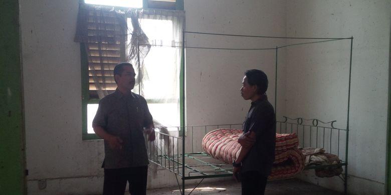 kamar di gedung papak yang dipakai tentara jepang melmuaskan hasrat seksual dengan gadis pribumi