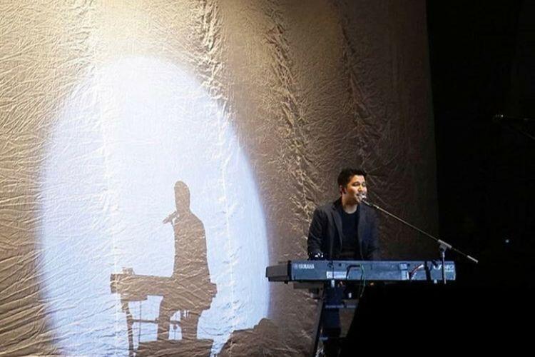 Emil Dardak: Gara-gara Nyanyikan Lagu Glenn Fredly Saya Bisa Naik ke Pelaminan
