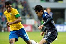 Paulinho Pastikan Hengkang ke Spurs