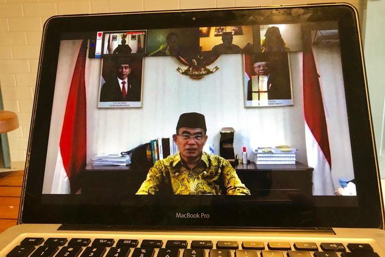 Universitas Terbuka unit Hong Kong (UT Hong Kong) menggelar webinar tema Memaknai Peran Mahasiswa UT Luar Negeri dalam Kampus Merdeka (7/2/2020) dan dihadiri Menko PMK, Prof. Muhadjir Effendy dan Direktur Pembelajaran dan Kemahasiswaan Dikti, Prof. Aris Junaidi.