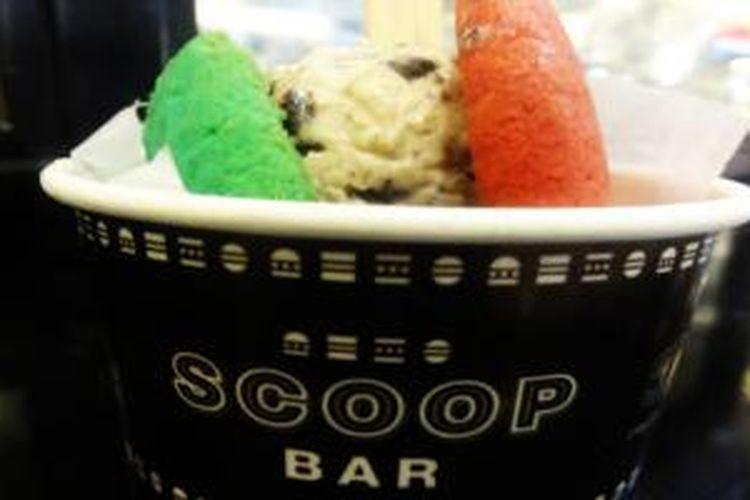 Setangkup ice cream sandwich dari Scoop Bar