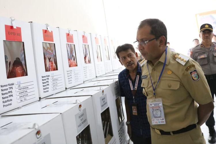 Wali Kota Makassar Mohammad Ramdhan Pomanto Pantau Kesiapan Pemilu di Kecamatan Makassar, Kecamatan Biringkanaya dan Kecamatan Tamalarea, Selasa (16/4/2019).