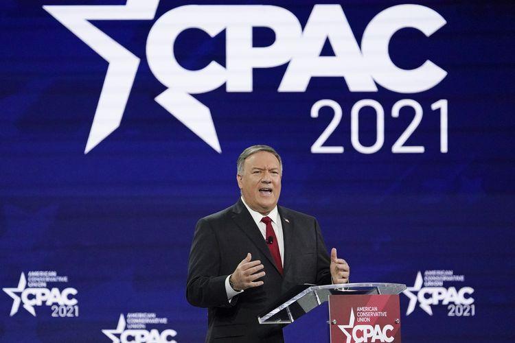 Menter Luar Negeri ke-70 Amerika Serikat, Mike Pompeo, saat berpidato di acara Conservative Political Action Conference (CPAC), pada Sabtu (27/2/2021) di Orlando, Florida.