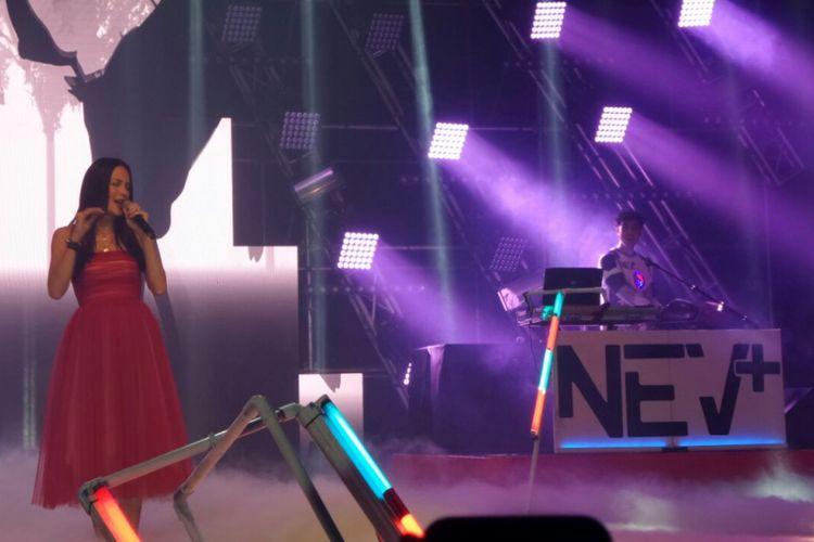 Sophia Latjuba berkolaborasi dengan NEV+ dalam LAFFestival yang digelar di Jakarta Convention Center, Senayan, Jakarta Selatan, Sabtu (10/2/2018).
