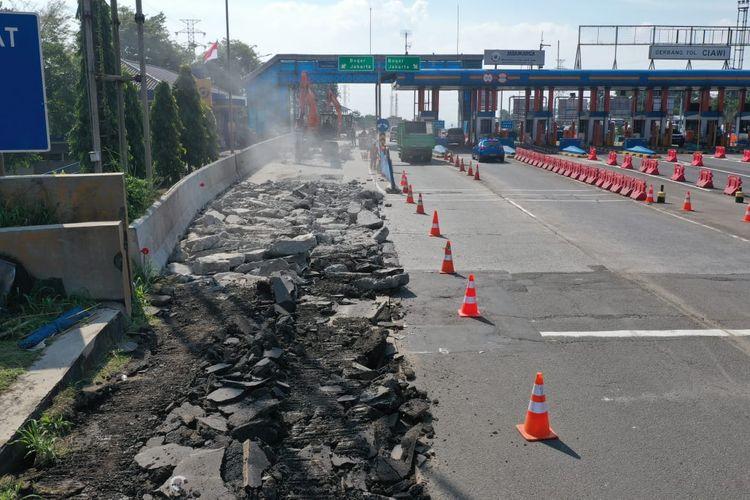 Pekerjaan Jalan di Gerbang Tol Ciawi