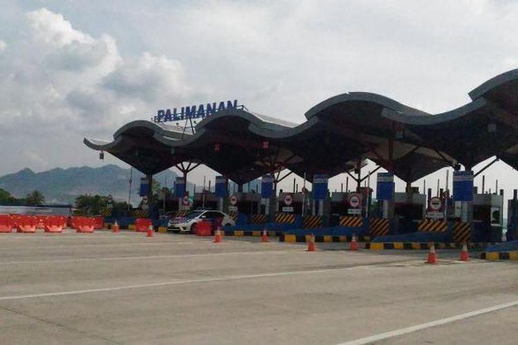 Gerbang Tol Palimanan, bagian dari Tol Cikopo-Palimanan (Cipali) yang dibangun PT Lintas Marga Sedaya.