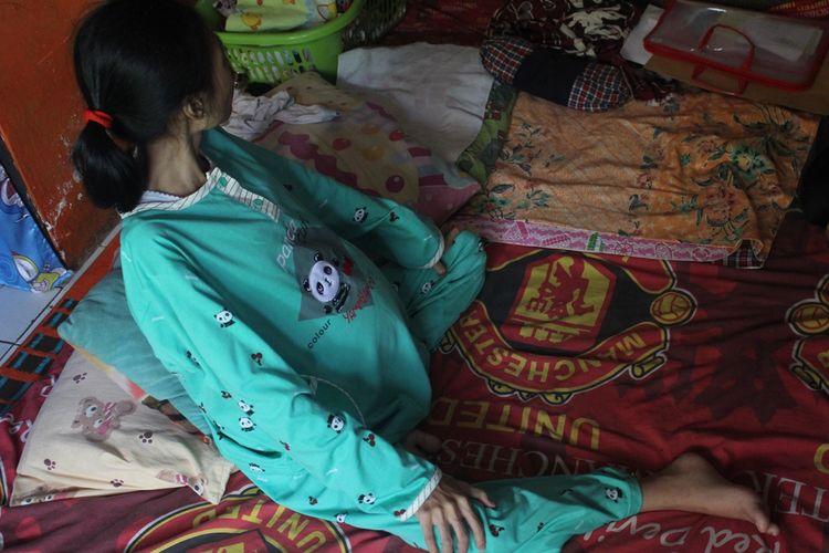 Gadis Penderita Kista Ovarium Yang Pernah Tampil Depan Jokowi Berharap Uluran Tangan Halaman All Kompas Com
