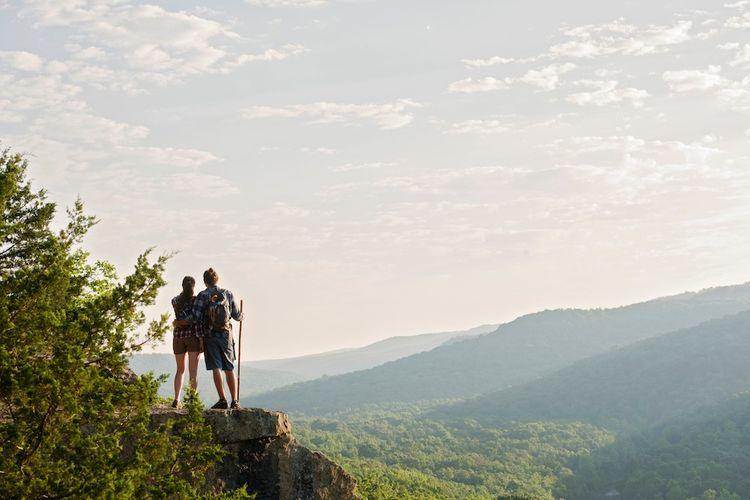 Ilustrasi Arkansas - Pemandangan dari dataran tinggi di Northwest Arkansas, Arkansas, Amerika Serikat.