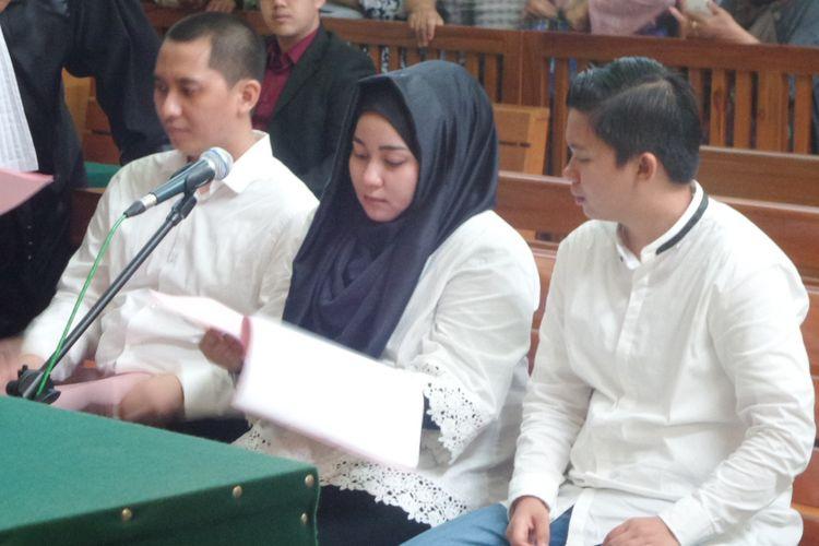 Tiga bos First Travel, Andika Surachman, Anniesa Hasibuan, dan Siti Nuraidah Hasibuan di PN Depok, Rabu (7/3/1018).