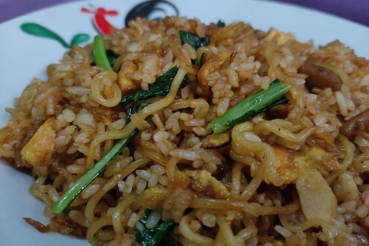 Pengalaman membuat menu makanan di Warung Burjo yaitu Magelangan, hanya di rumah saja.
