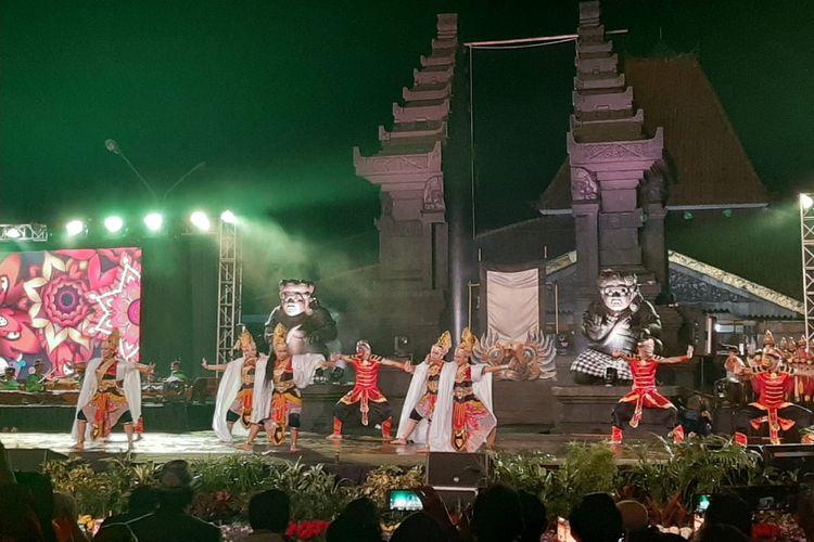 Salah satu pertunjukan seni tari dalam rangka Festival Panji Nusantara 2019 di Malang, Kamis (11/7/2019).