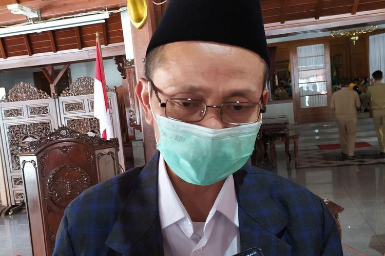 Ketua Forum Komunikasi Pondok Pesantren (FKPP) Banyumas Dr Moh Roqib seusai rapat koordinasi di Pendapa Sipanji Purwokerto, Kabupaten Banyumas, Jawa Tengah, Senin (28/9/2020).