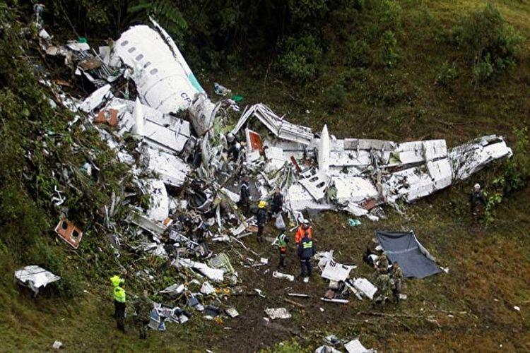 Sebuah Cessna Caravan, pesawat militer Kolombia, jatuh di sebuah bukit di barat Bogota, Senin (1/5/2017) sehingga delapan orang tewas.