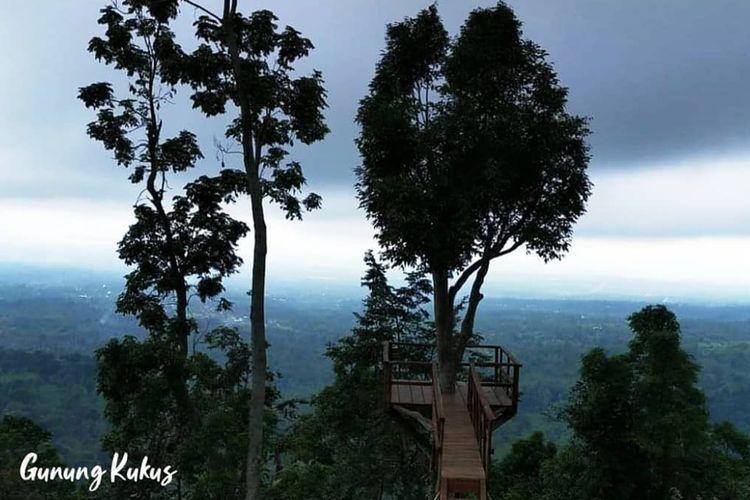 Gunung Kukus di kawasan Taman Nasional Gunung Rinjani, NTB.