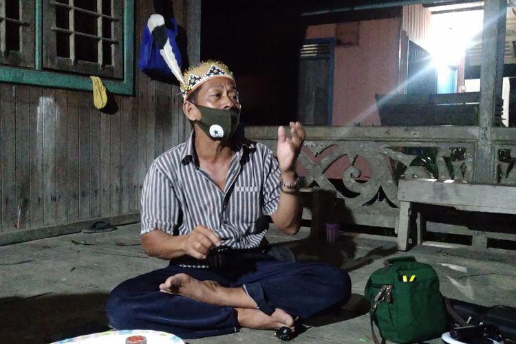 Sekretaris Adat Dayak Bahau, Avun di Kampung Tukul, Kutai Barat, Kaltim.