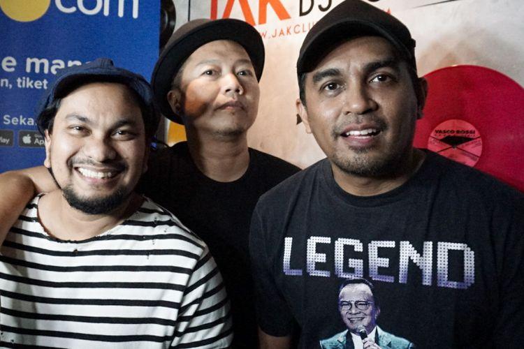 Tompi, Sandhy Sondoro dan Glenn Fredly yang tergabung dalam Trio Lestari saat ditemui di sesi latihan di G Studio, Pondok Indah, Jakarta Selatan, Selasa (31/7/2018).