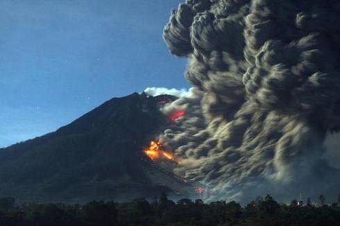 Gunung Sinabung Kembali Muntahkan Awan Panas, 8 Desa Terkena Debu Vulkanik