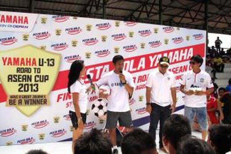 Isnan Ali coaching clinic di Yamaha Indonesia U-13 2013.