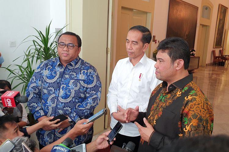Presiden Joko Widodo bertemu dengan dua pimpinan buruh di Istana Bogor, Senin (30/9/2019). Keduanya yakni Presiden Konfederasi Serikat Pekerja Seluruh Indonesia (KSPSI) Andi Gani dan Presiden Konfederasi Serikat Pekerja Indonesia (KSPI) Said Iqbal.