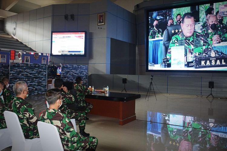 Kepala Staf Angkatan Laut (KSAL) Laksamana TNI Yudo Margono membuka latihan Armada Jaya XXXIX Tahun 2021 melalui video conference di Markas Besar Angkatan Laut (Mabesal), Jakarta, Senin (14/6/2021).