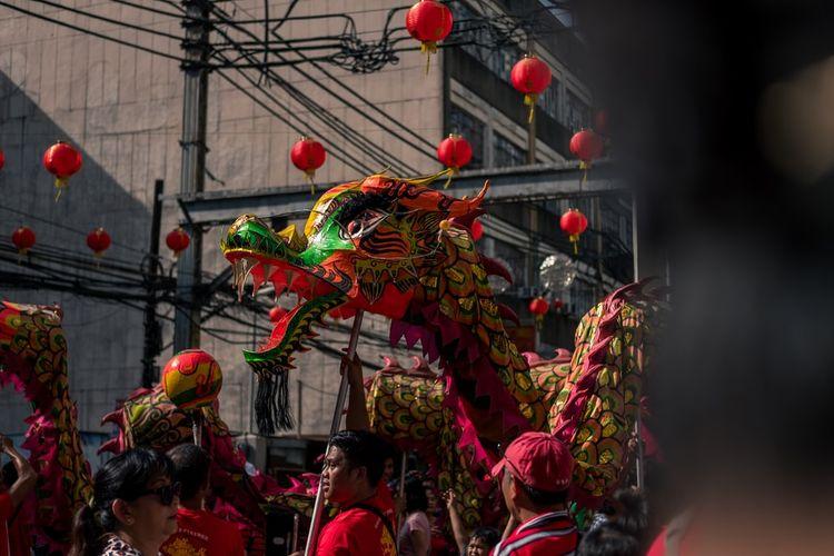 Ilustrasi barongsai pada perayaan Tahun Baru Imlek.
