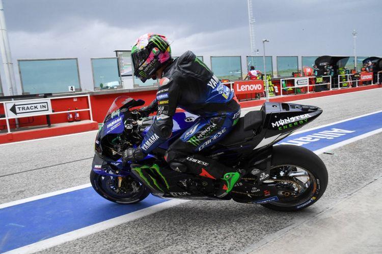 Franco Morbidelli saat berlaga pada MotoGP San Marino 2021. (Photo by ANDREAS SOLARO / AFP)