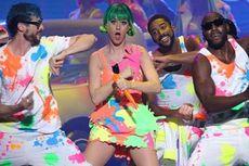 Panggung Spektakuler Katy Perry Bermula dari