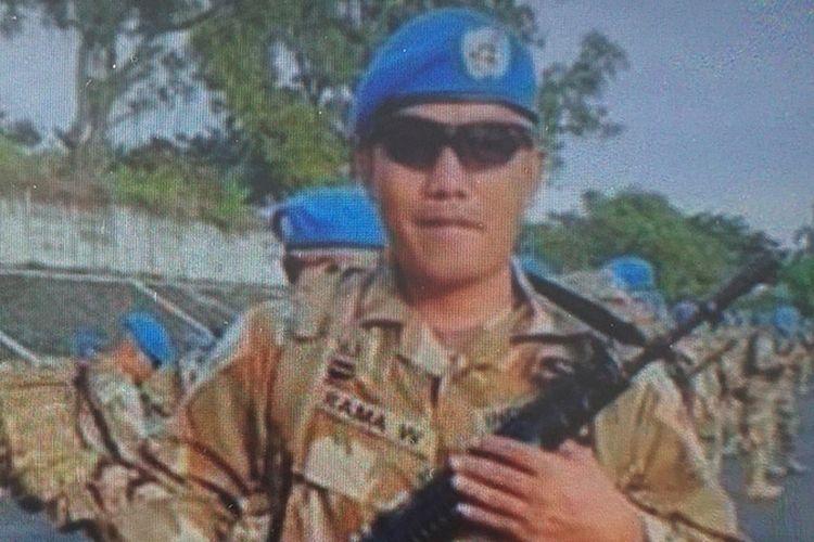 Serma Rama Wahyudi, prajurit TNI AD Denpal 1/4 Pekanbaru, saat menjalankan misi perdamaian PBB di Republik Demokratik Kongo.