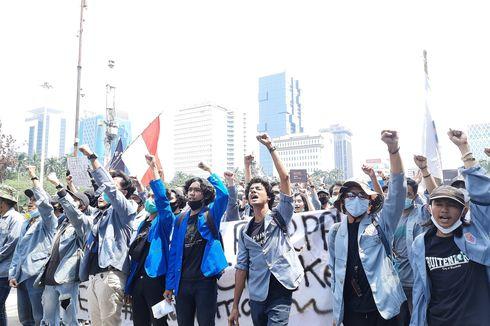 Unjuk Rasa di Patung Kuda, Mahasiswa: Mohon Maaf Sedang Ada Perbaikan Demokrasi