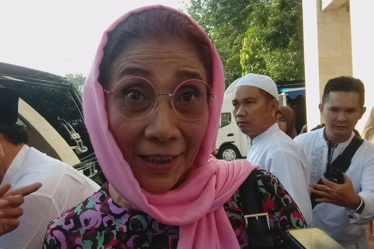 Menteri Kelautan dan Perikanan, Susi Pudjiastuti, ikut melakukan shalat Id di Masjid Istiqlal, Jakarta, Rabu (5/6/2019).