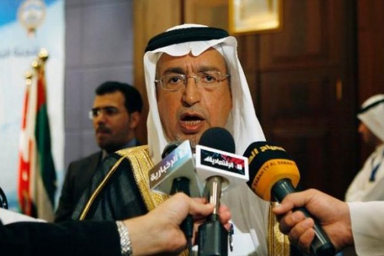 Raja Arab Saudi, Salman, mengeluarkan dekrit pemecatan Menteri Air dan Listrik Abdullah al-Hussayen.