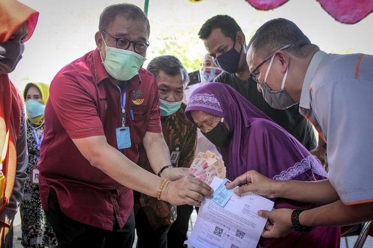 Salah satu penerima BST di Kota Semarang, yang masih sehat pada usia 83 tahun.