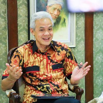 Gubernur Jawa Tengah (Jateng) Ganjar Pranowo saat proses perekaman video singkat untuk kanal Youtube pribadinya yaitu Ruang Ganjar. Video singkat tersebut diunggah pada Rabu (19/5/2021).