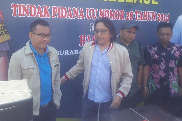 Musisi Anang Hermansyah (kiri) di Mapolda Jatim, Rabu (23/10/2019).