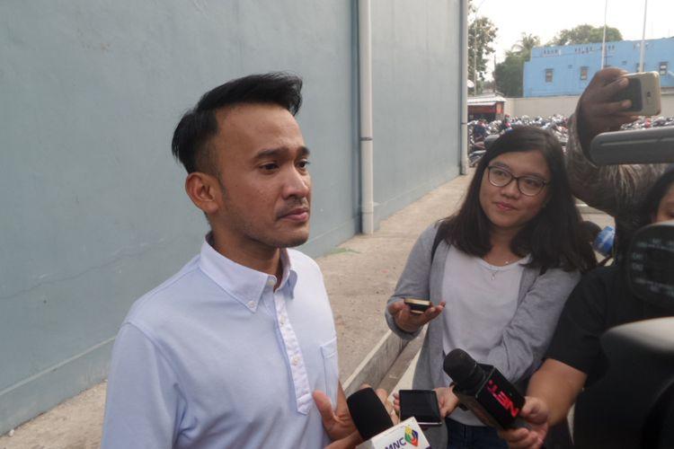 Ruben Onsu dalam wawancara seusai menjalani shooting program bincang-bincang Brownis di Gedung Trans, Mampang Prapatan, Jakarta Selatan, Jumat (3/11/2017).
