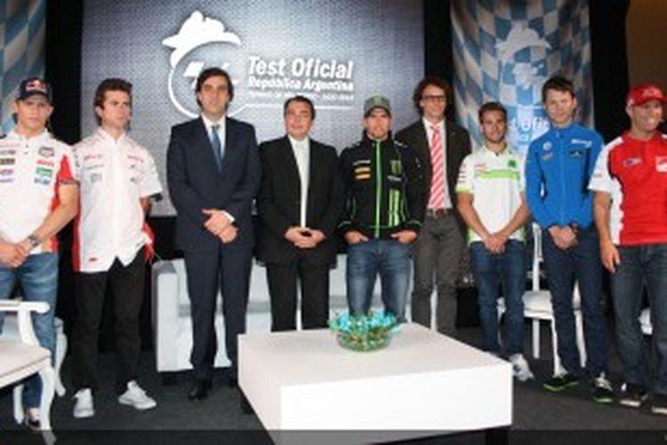 Para pebalap MotoGP dan Moto2 hadir pada konferensi pers jelang uji coba resmi di sirkuit Buenos Aires, Argentina, Selasa (2/7/2013).